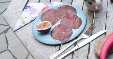 Piatto di bresaola a fette