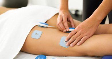 Ragazza in trattamento con Elettrostimolatore Ems