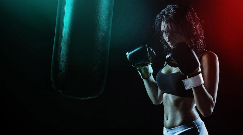 Fit box: ragazza in allenamento